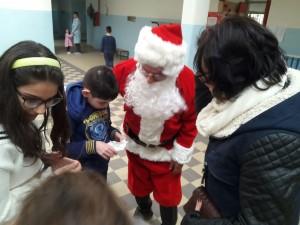 babbo-natale-alla-scuola-sanzio-2016-11